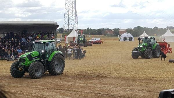 Deutz-fahr-6-7-series-tractor-launch-dresden-4