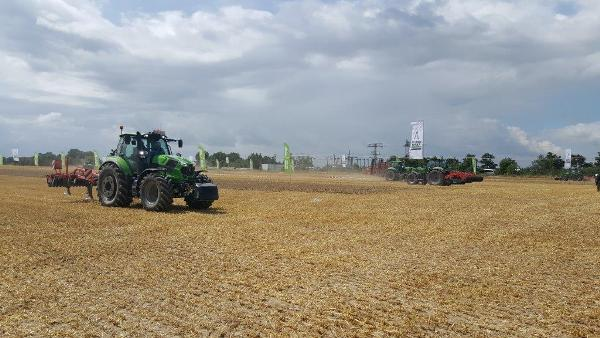 Deutz-fahr-6-7-series-tractor-launch-dresden-7