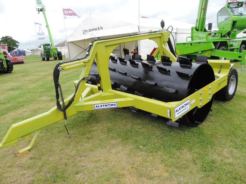 yfc-show-2016-alstrong-aerator-roll-stansted